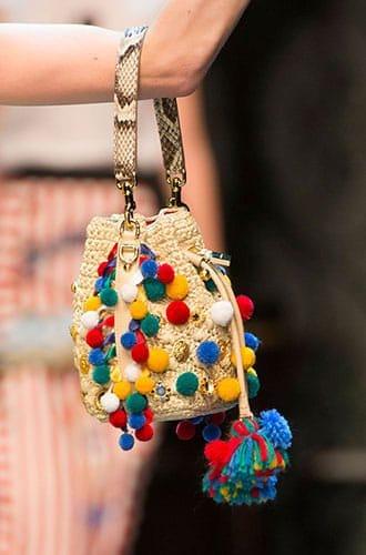 Le bucket bag par Dolce & Gabbana pour l'été 2016.