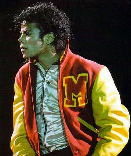 Michael Jackson et sa Varsity Jacket pour le clip Thriller en 1984.