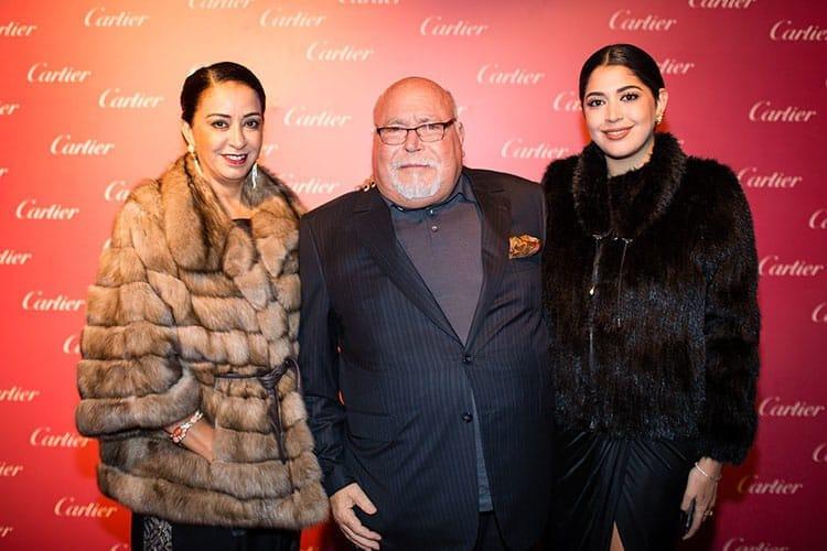 Ahmed Kabbaj de SGTM entourré de sa femme Fatima et de sa fille.