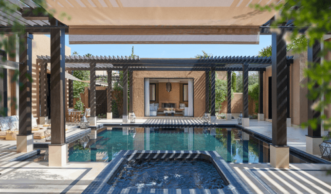 Shoelifer_mandarin_oriental_marrakech